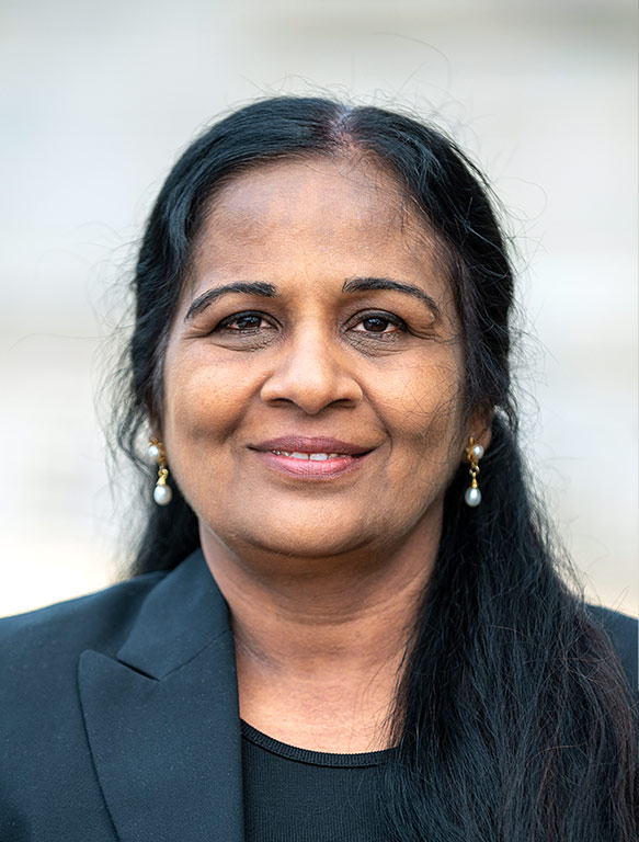 Lakshmi Devanathan - Cloud & Data specialist